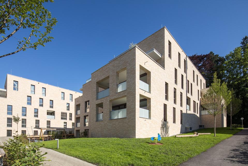 Helle 4-Zimmer-Wohnung mir großer Terrasse I Top A16