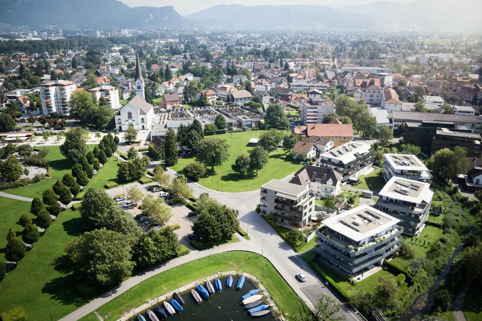Exklusive 5-Zimmer-Gartenwohnung direkt am Bodenseeufer I Top 01