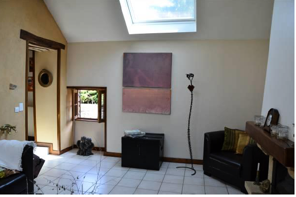Foyer mit Gewölbedecke, Fliesenboden, Oberlicht, Natürliches Licht