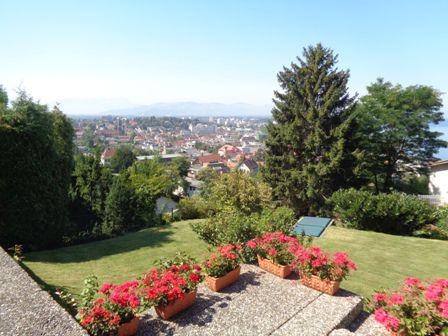 Traumhafter seeblick haus mit pool in bregenz haus for Garten pool vorarlberg
