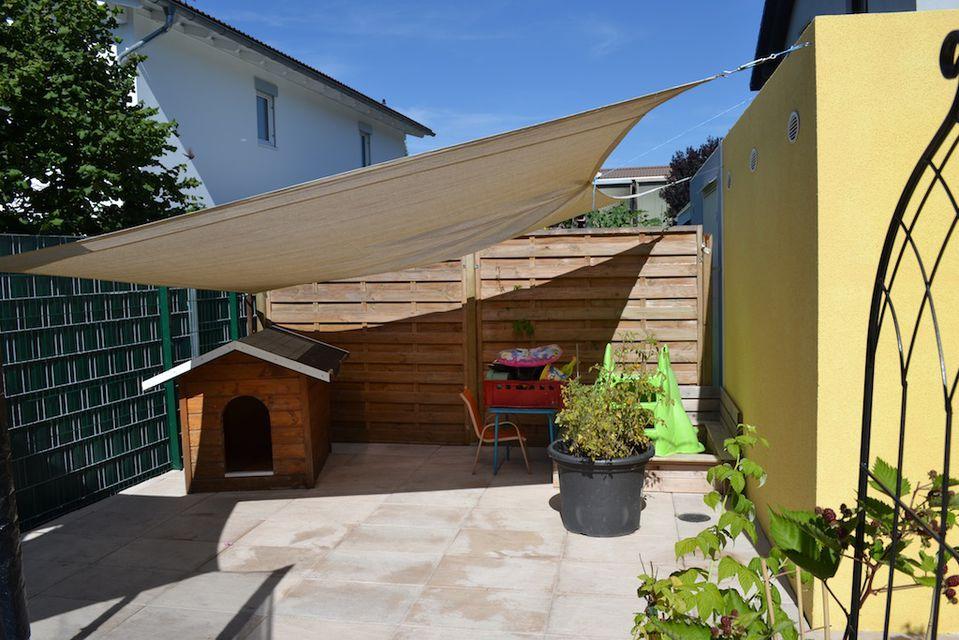 satteins neuwertiges einfamilienhaus mit garage zu. Black Bedroom Furniture Sets. Home Design Ideas
