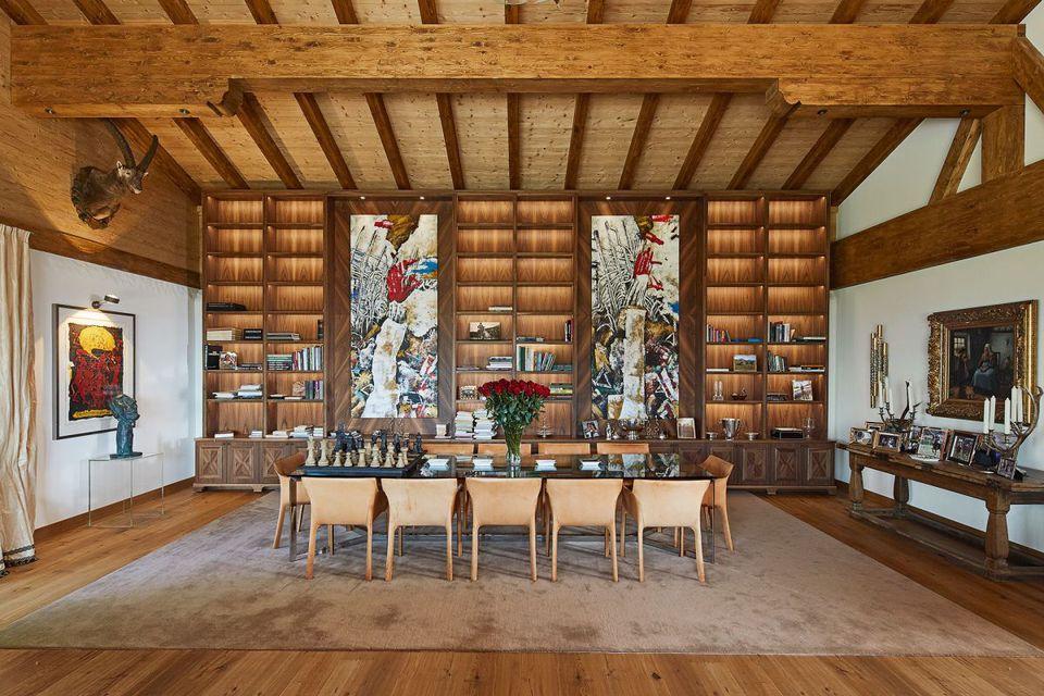 Essbereich mit Gewölbedecke, Hartholzboden, Balkendecke