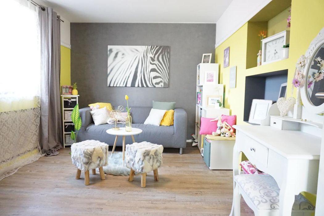 Kinderzimmer mit reichlich Platz und Tageslicht