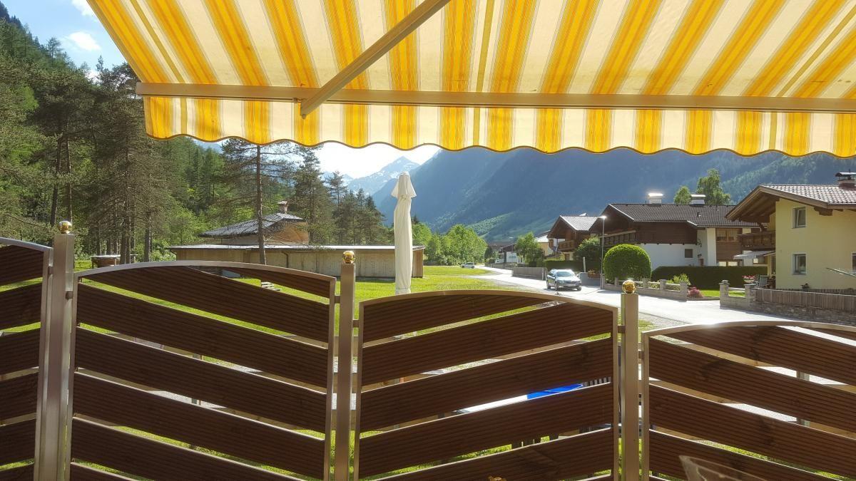 gemütliche Terrasse mit ausreichend Sonne