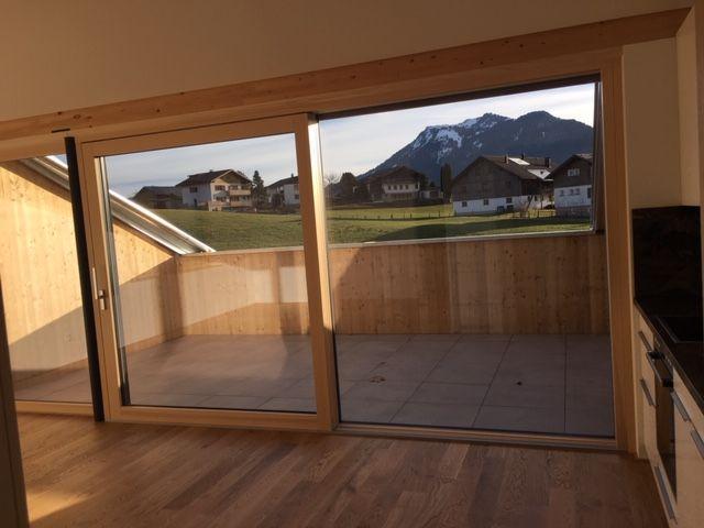 Terrasse mit Hartholzboden, Natürliches Licht, Fliesenboden