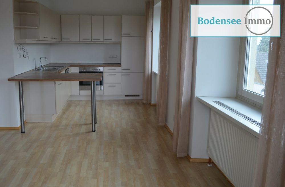 Küche mit Hartholzboden