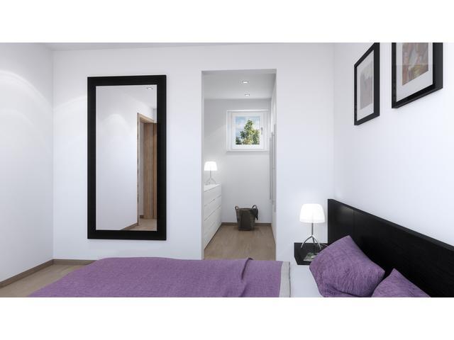 Schlafzimmer mit Hartholzboden